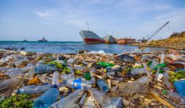 ООН: Объем пластикового мусора в океанах может вырасти почти в три раза к 2040 году