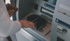 В России планируют усилить контроль за пополнением карт в банкоматах