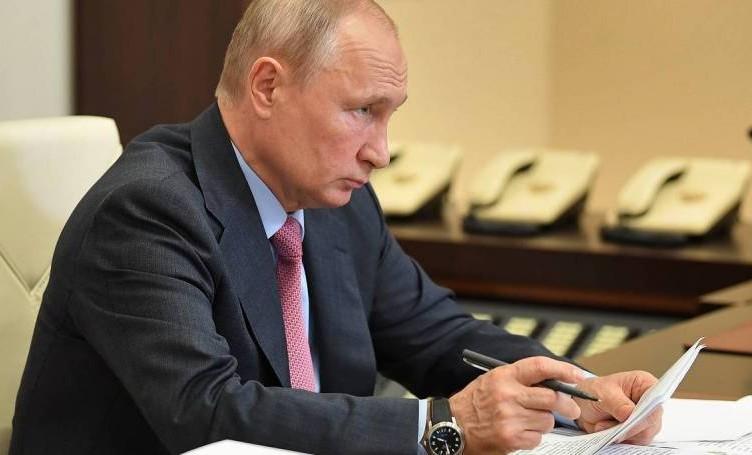 Владимир Путин утвердил увеличение штрафов за неподчинение силовикам