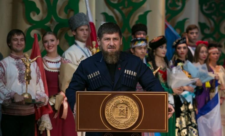 Рамзан Кадыров поздравил россиян с Днем народного единства в эфире федерального телеканала