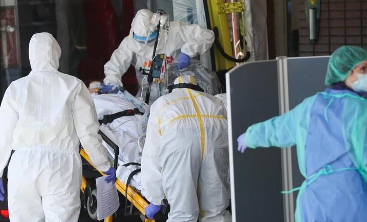За сутки в России выявили 12 953 зараженных коронавирусом