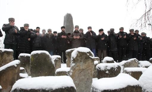 В Грозном почтили память жертв трагических событий февраля 1944 года