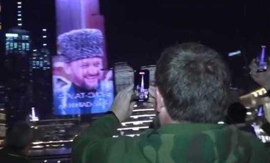 Глава ЧР поблагодарил руководство ОАЭ за фотоинсталляцию  Ахмата-Хаджи Кадырова на «Бурдж-Халифа»