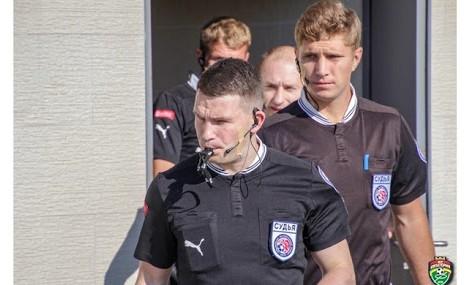 ФК «Ахмат» проведет внутреннее расследование инцидента с главным арбитром матча Богданом Головко
