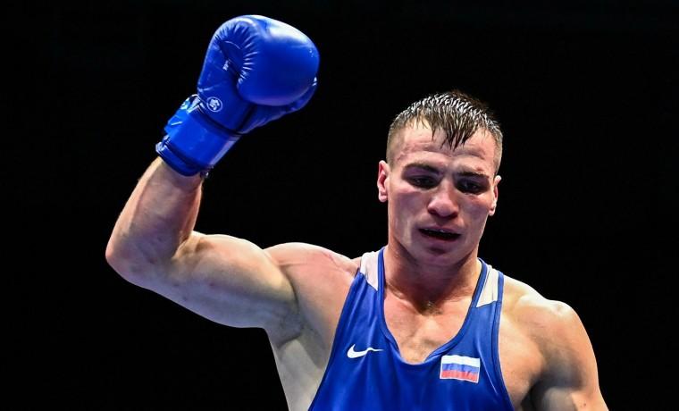 Имам Хатаев нокаутировал соперника и вышел в полуфинал Олимпиады