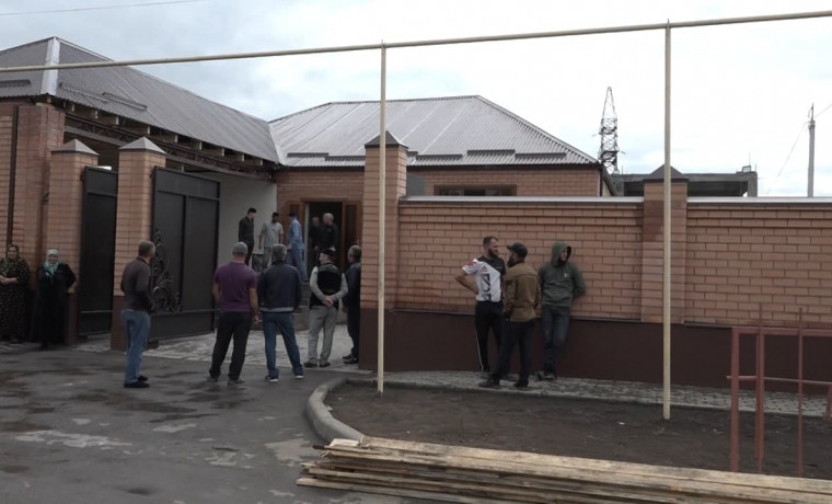 Менее чем за сутки РОФ им. А.-Х. Кадырова восстановил дом для погорельцев из села Кади-Юрт